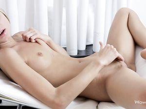 Teen Gina Gerson Masturbates Her Soaking Wet Pussy