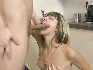 Petite Teen GF Bangs Her Boyfriend In The Kitchen