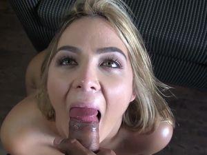 Voluptuous Hottie Taking Selfies And Fucking Her Man